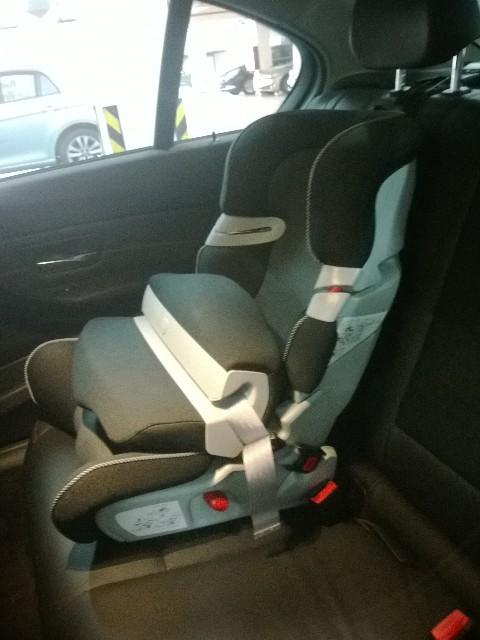 低价转 全新宝马BMW儿童安全座椅I II ISOFIX 原厂正品高清图片