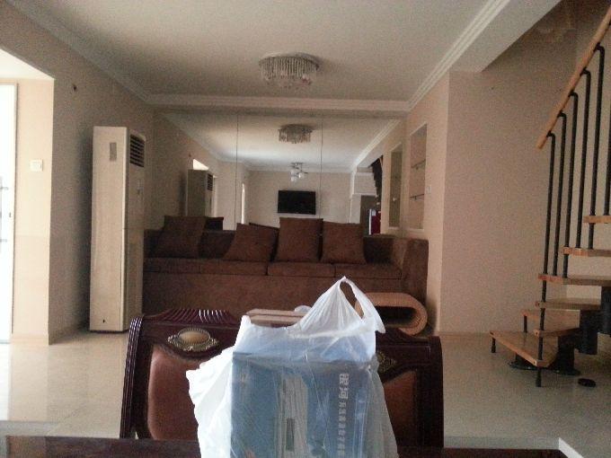 派公馆1幢14楼小跃层90平米精装修房屋出租